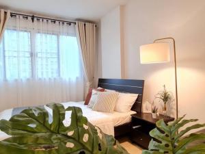 For SaleCondoPattanakan, Srinakarin : Sale Dcondo On Nut Ladkrabang-Suvarnabhumi Beautiful room, new decoration, ready to move in.