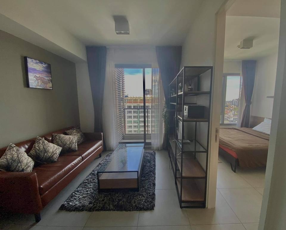 เช่าคอนโดสุขุมวิท อโศก ทองหล่อ : ++เช่าด่วน+++   The Lofts Ekkamai, 1 ห้องนอน  ขนาด 35 ตร.ม. ชั้น 21 ตกแต่งพร้อมอยู่