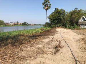 For SaleLandNakhon Pathom, Phutthamonthon, Salaya : Land for sale 3 rai 2 ngan, next to the river Nakhonchaisri