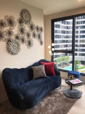 For SaleCondoBangna, Lasalle, Bearing : Loss sale! Ideo mobi sukhumvit eastpoint BTS Bangna, 1 bed, with sink, 36.88 sq m, high floor, price 4.09 MB, city view, pool view, very beautiful.