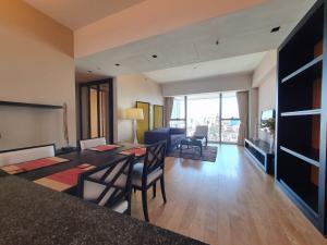 For RentCondoSathorn, Narathiwat : For Rent The Met 2 bedroom, fully Furnished close to BTS Chongnonsi