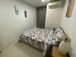 For RentCondoRatchadapisek, Huaikwang, Suttisan : For rent, IDEO Ratchada-Huaykwang, beautiful room, fully furnished, very cheap, convenient transportation near MRT !!
