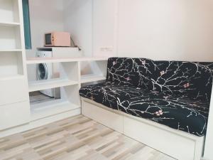 เช่าคอนโดพระราม 9 เพชรบุรีตัดใหม่ : 📣ให้เช่า 7,500- 1ห้องนอนAspace Asoke ratchada MRTพระราม9. Fortune ชั้น2 ห้องสวย ทำใหม่ ห้องมุม วิวไม่บล็อก