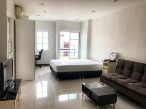For SaleCondoRatchadapisek, Huaikwang, Suttisan : Condo for sale, Jonny Tower, 9th floor, northeast, very good view, not hot, with 2 balconies, comfortable breeze