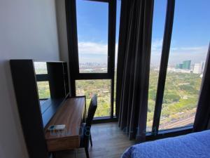 ขายคอนโดสะพานควาย จตุจักร : ขายด่วน 1 ห้องนอน แต่งครบ ชั้น 30+ วิวสวน 700 ไร่ เดอะ ไลน์ จตุจักร เพียง 5.92 ล้าน