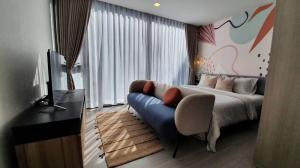 เช่าคอนโดสุขุมวิท อโศก ทองหล่อ : ให้เช่า คอนโดห้องใหม่ พร้อมอยู่ Quintara Treehaus Sukhumvit 42 ขนาด 2 ห้องนอน วิวสระ ใกล้บีทีเอสเอกมัย