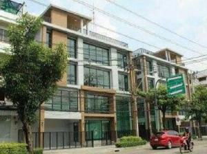 For SaleShophouseSathorn, Narathiwat : 4-storey commercial building for sale in Bang Kho Laem, Charoen Krung, Rama 3, very good location, along the main road, 48 square meters, special price.
