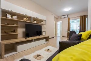 For RentCondoRama9, RCA, Petchaburi : +++ Supalai Park, near Rama 9 intersection, beautiful room for rent +++