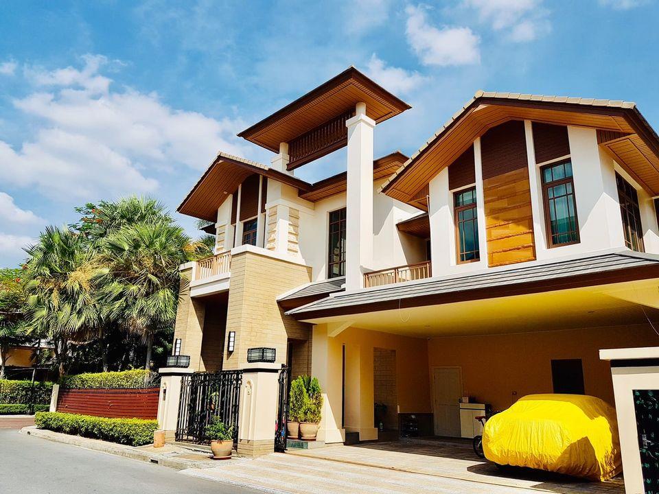 For RentHouseSukhumvit, Asoke, Thonglor : Baan Sansiri Sukhumvit 67 - Fully Furnished Luxury 4 Bed Single House / Corner Plot