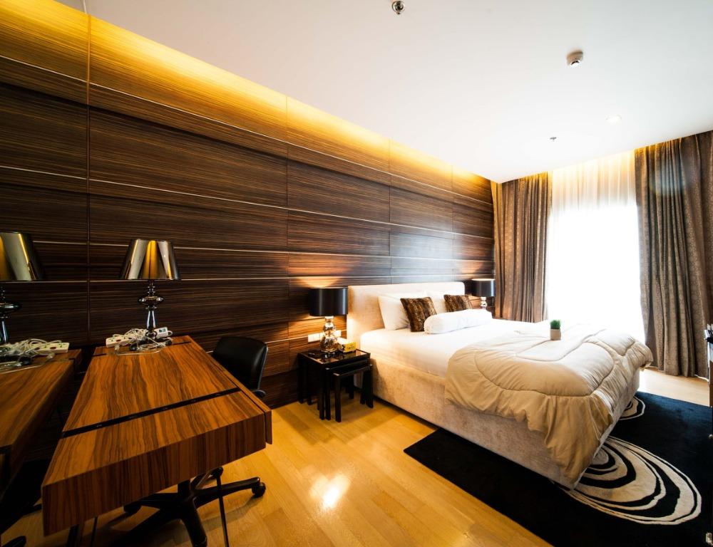 For RentCondoSukhumvit, Asoke, Thonglor : 1784-M😊 For RENT 1 bedroom for rent 🚄 Near BTS Phrom Phong station only 7 minutes 🏢 Noble Refine Noble Refine🔔 Area: 55.00 sq.m. 💲 Rent: 60,000.- baht 📞099-5919653 ✅LineID: @sureresidence