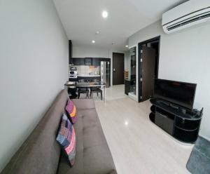 For RentCondoOnnut, Udomsuk : Big Sale Rhythm 44/1 @ Bts Prakanhong please contact 0645414424