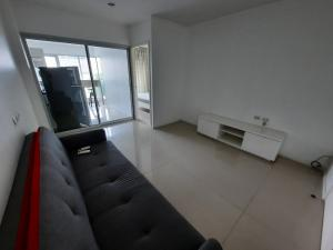 For SaleCondoRama9, RCA, Petchaburi : For Sale! at Aspire Rama9 1 Bedroom 1 Bathroom 3,3700,000 THB (All inclusive) Estimated valuation from land department is higher than market price Fully furnished Code K-0014