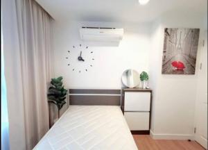 For RentCondoRatchadapisek, Huaikwang, Suttisan : 6807 | 🔥🔥 For rent, The Kris Ratchada 17. Size 44 sq m. 5th floor # near MRT Sutthisan [[Urgent inquiry 093-6269352 @ add Line]]