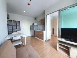 For SaleCondoKhlongtoei, Kluaynamthai : Aspire condo, near BTS Ekkamai, high floor, beautiful view, fully furnished, ready to move in, convenient, good location.
