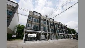 For SaleHome OfficeOnnut, Udomsuk : Townhouse Home Office for sale Baan Klang Muang Sukhumvit 77 On-nut 17