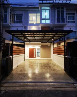 For SaleTownhouseRama9, RCA, Petchaburi : 3-storey townhome for sale, the Metro Rama 9 project