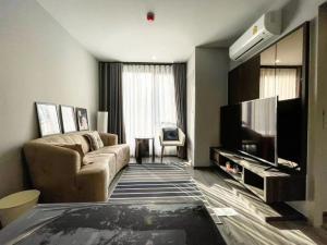 For RentCondoSukhumvit, Asoke, Thonglor : Ideo mobi sukhumvit40  (�BTS Ekkamai 750m) � price 15,000 baht