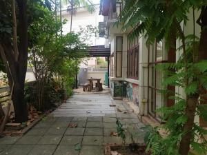 เช่าบ้านพระราม 2 บางขุนเทียน : RHT409ให้เช่าบ้านเดี่ยวหมู่บ้านชายคลอง  5 ห้องนอน  ใกล้ เซนทรัลพระราม 2