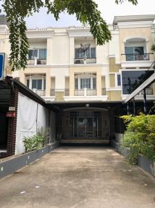 For RentTownhouseBang kae, Phetkasem : 💖 3-storey townhome for rent in front of the village, Prinlak Phetkasem 69