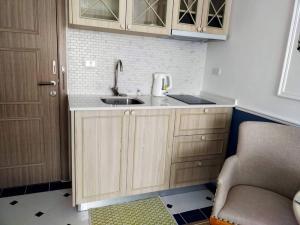 For RentCondoPattaya, Bangsaen, Chonburi : Condo for rent 1st hand