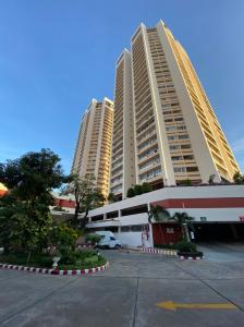 For RentCondoSukhumvit, Asoke, Thonglor : Condo Tai Ping 3 bedrooms Soi Sukhumvit 63 near BTS Ekkamai for rent.