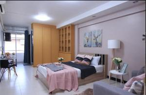 For SaleCondoRatchadapisek, Huaikwang, Suttisan : Installment cheaper than rent !!! Urgent sale 1.29 million Condo Ratchada City, beautiful room, ready to move in, near MRT Huai Khwang (S1782).