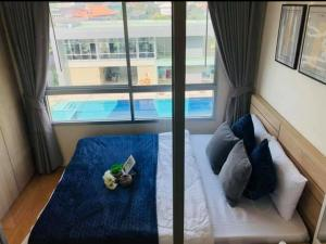For RentCondoPattanakan, Srinakarin : Condo for rent Lumpini Ville On Nut - Pattanakarn (On Nut 55) corner room, pool view, beautiful decoration, can move in.