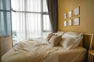 For RentCondoOnnut, Udomsuk : Condo for rent THE LINE Sukhumvit 101 💥 River view 💥 6-foot bed, cute decorated room, near BTS Punnawithi, BTS Bang Chak, furniture, electrical appliances. You can drag a single bag in. Size 27.51 sq m, 14th floor 💰 Rental price: 13,000 baht / month