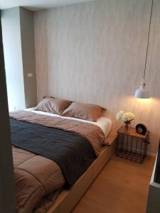 For SaleCondoLadprao, Central Ladprao : Beautiful room for sale, fully furnished, Ideo Ladprao 5, 8th floor, north with furniture & appliances (S1786)