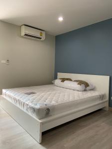 เช่าคอนโดอ่อนนุช อุดมสุข : ให้เช่าคอนโด Regent Home 9 ซอยสุขุมวิท 64 ห้อง Studio ชั้น 5 วิวสระ ห่าง 7-11 เพียง 70 เมตร