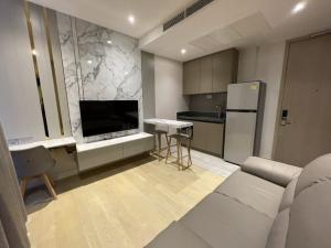 For RentCondoRama9, RCA, Petchaburi : For Rent 1 Bedroom High Floor Fully Furnished ASHTON ASOKE-RAMA9 Tel. 062-339-3663