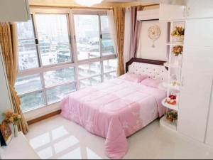 For RentCondoRatchathewi,Phayathai : Condo for rent, Pathumwan Resort, rooms recently renovate brand new, vintage style.