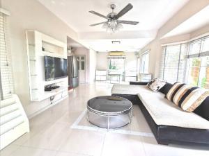 For RentHouseRama 2, Bang Khun Thian : House for rent, Baan Prueklada-Rama 2, 3 bedrooms, 3 bathrooms, size 50 sq m.