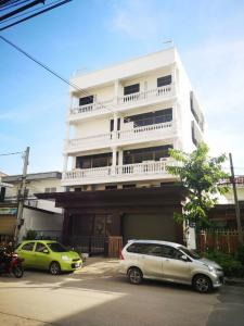 For RentShophouseLadkrabang, Suwannaphum Airport : For RENT Onnut 70/1 Office Building Very Modern!!
