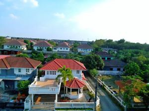 For SaleHousePinklao, Charansanitwong : 2-storey detached house, 74 square wah, corner back, 4 bedrooms, 4 bathrooms, 2 car parking, terrace, 2nd floor, maid room with bathroom.