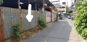 For SaleLandBang Sue, Wong Sawang : Land for sale 51 square wa, Soi Prachachuen 18, enter the alley about 200 meters, near the expressway, Bang Son, Bang Sue, Bangkok.