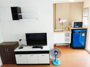 For RentCondoRangsit, Patumtani : Condo for rent, Lumpini Rangsit, Building Zone A4, beautiful view room, near Future Park Rangsit, Rangsit University, Bangkok University, Don Mueang Airport