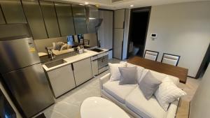 For RentCondoSukhumvit, Asoke, Thonglor : (New) 1bed plus (1+1) 48 sqm fully furnished