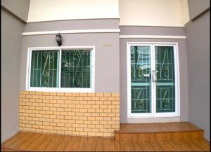 For RentTownhouseNawamin, Ramindra : Townhouse for rent 4 floors 4 bedrooms 24 sq m. Nawamin 77