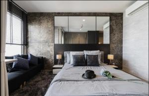 For RentCondoRama9, RCA, Petchaburi : New condo for rent, very beautiful decoration !! Life Asoke-Rama 9