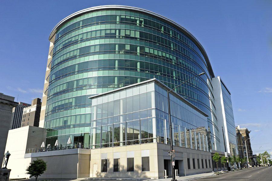 ขายสำนักงานพระราม 9 เพชรบุรีตัดใหม่ : ขายอาคารสำนักงานใกล้ห้างเซ็นทรัล พระราม9 ใกล้รถไฟฟ้าสายสีน้ำเงินและสีส้ม