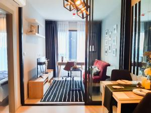 For RentCondoRama9, RCA, Petchaburi : Very cheap‼ Life Asoke Rama 9, Life Asoke Rama 9, near MRT Rama 9, 1 bedroom, 1 bathroom, 36 sq.m., 24th floor, beautiful room, ready to move in.
