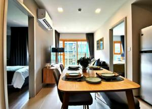 For RentCondoOnnut, Udomsuk : Condo for rent, the base Sukhumvit 50 💥2 bedrooms, 2 bathrooms 💥 BTS On Nut, peaceful condo, resort style, pool view, full furnished, complete electrical appliances, size 46 sqm, 2 bedrooms, 6th floor 6 Rental price: 24,000 baht / month
