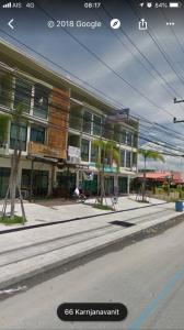 For SaleShophouseHatyai Songkhla : Urgent sale ++ 3-storey commercial building, 29 sq m. Next to Kanchanawanit road Intersection into Song Kha Renovate the whole back.