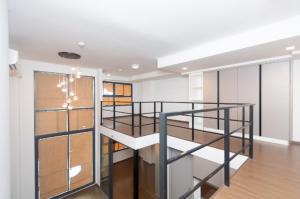 เช่าคอนโดพระราม 9 เพชรบุรีตัดใหม่ : 🎉ให้เช่า Condo Ideo New Rama 9🎊   ห้องใหม่ พร้อมอยู่ ไม่เคยปล่อยเช่า ชั้น22 2นอน 1น้ำ หรือ 1นอน 1ห้องทำงานก็ได้ ห้องduplex เพดานสูง4.5ม. โล่งสบาย ไม่อึดอัด ห้องเปล่า ตามรูป พร้อมตู้เสื้อผ้า และ ครัว