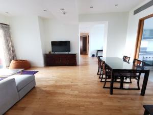 For SaleCondoSukhumvit, Asoke, Thonglor : Millennium Residence 2 + 1bed 3bath 128sqm 20,800,000 Call / Line: Am 0656199198 Whatsapp / Wechat: 0849429988