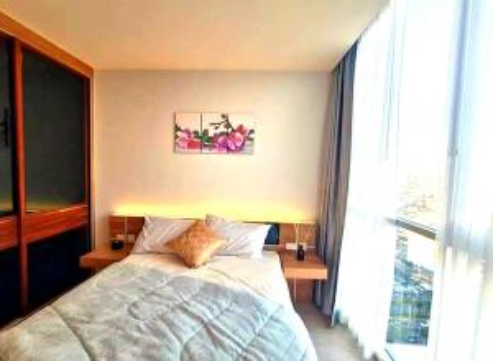 For RentCondoRatchadapisek, Huaikwang, Suttisan : Condo for rent, next to MRT, Cultural Center, 1 bedroom, corner room