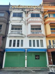 For SaleShophouseNawamin, Ramindra : Selling a commercial building, 2 booths, 3 floors, Amarin Niwet Village 3, near the North Green Line. (discounted price)