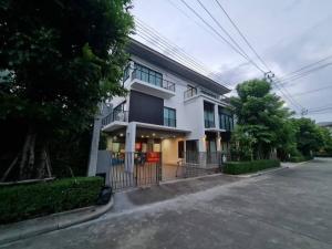 For RentHouseLadkrabang, Suwannaphum Airport : House for rent Lumpini Chalermprakiat Suan Luang Rama 9. With furniture