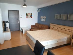 For SaleCondoRama9, RCA, Petchaburi : Best Price on High Floor! 35 Sq.m Room for SALE at Supalai Park Ekkamai - Thonglor! Great for Investment!!